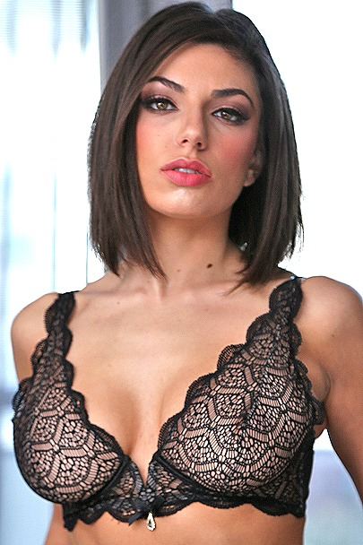 Interactive Porn Games with Darcie Dolce