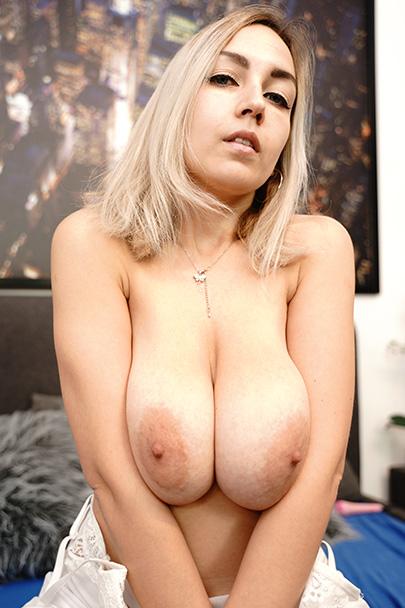 Nicole Brook