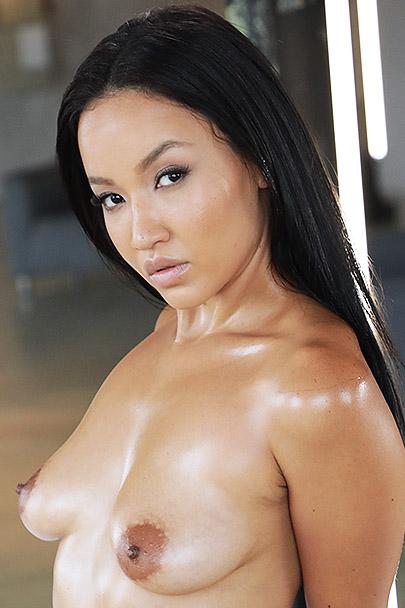 Asia Vargas