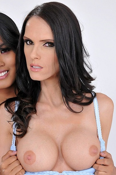 Interactive Porn Games with Jennifer Dark