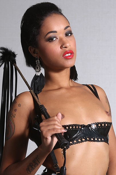 Interactive Porn Games with Skin Diamond